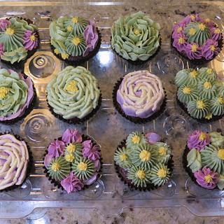 cactus flowers & succulents Swiss Meringue Buttercream cupcakes - Cake by MBalaska