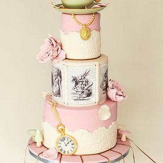 Alice in Wonderland - Cake by Alma Pasteles