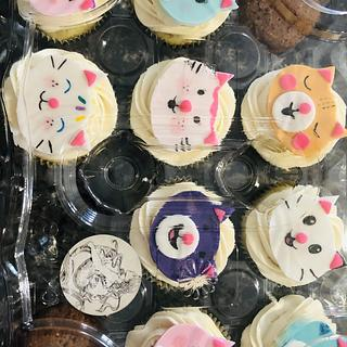 Cat cupcakes - Cake by MerMade