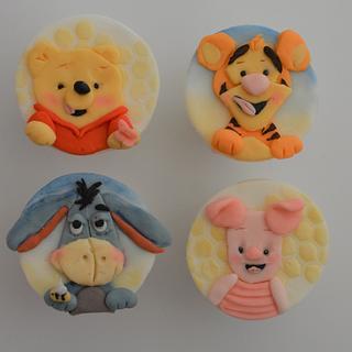 Winnie the Pooh cupcakes - Cake by Juliana's Cake Laboratory