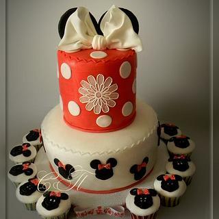"Kids cake with cupcakes ""Mickey"""