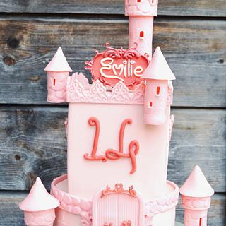 Pink Castle - Cake by Purple Platypus
