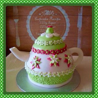 Pretty Teapot Cake