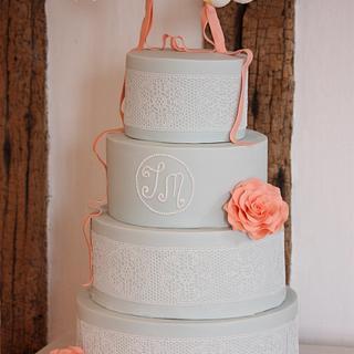 Flying Birds Wedding Cake