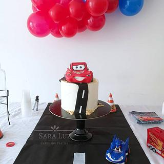 Lightning McQueen Cake - Cake by Sara Luz