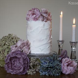 Frilled single tier cake