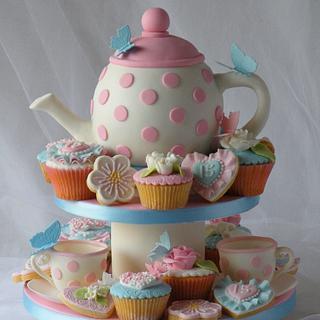 Garden Tea Party - Cake by CakeHeaven by Marlene