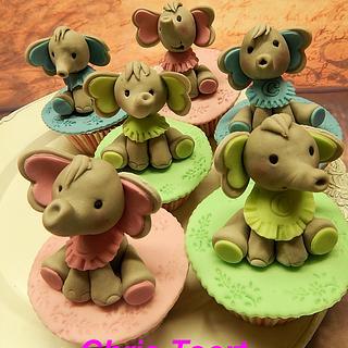 Babyshower cupcakes with elephant