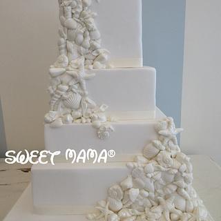 Seashells wedding cake