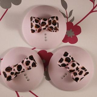 Animal Print Bow Cupcake