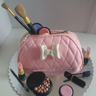 Makeup Bag - Cake by Jelena Brkljac