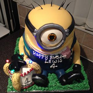 Minion cake think that's what there called