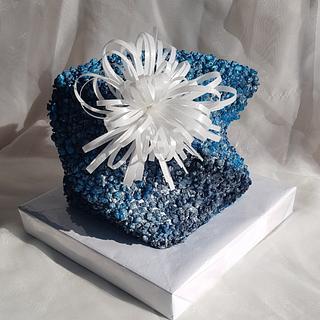 Blue & white twisted cake - Cake by Tirki
