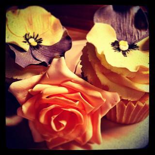 Pansy Cupcakes and sugar rose