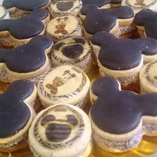 Mickey jungla - Cake by Gisela Gañan