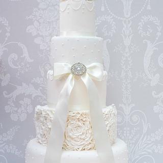 Elegance - Cake by Melissa Woodland Cakes