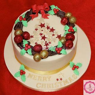 Luxury Christmas Wreath Cake