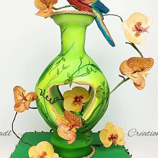 Vase cake parrot