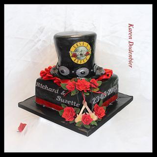 Guns & Roses wedding cake