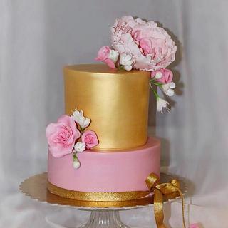 Gold rose cake