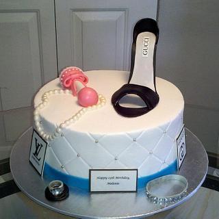 Fashionista Mom - Cake by Kimberly Cerimele