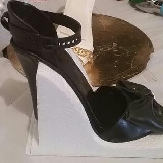 Sugar shoes. .