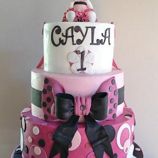 Spotty Hello Kitty Cake