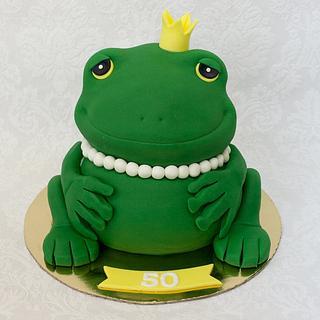 Queen Frog Cake
