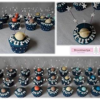 stars and planets cupcakes - Cake by Droomtaartjes
