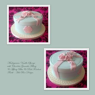 Hat Box Design Cake