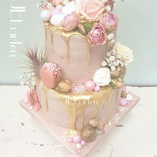 Pink babyshower cake