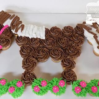 Horse Cupcake Cake - Cake by Sugar Sweet Cakes