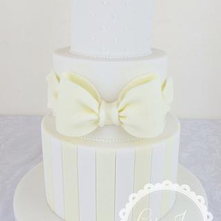 Lemon and ivory Wedding Cake - Cake by Laura Davis