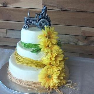 Tractor/Daisy Wedding Cake