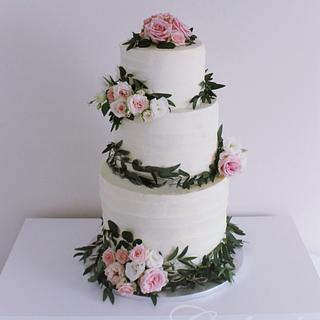Rustic Wedding Cake with Fresh Roses