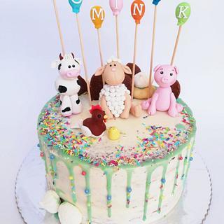 Farm animals drip cake
