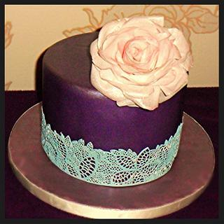 Wafer paper rose and cake lace