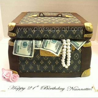 Louis Vuitton Cosmetic Case Cake