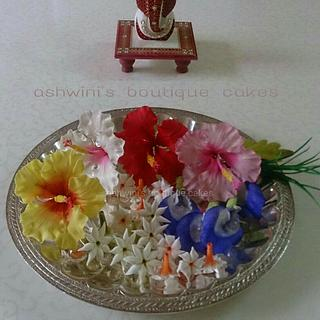Sugar Pooja Flowers Thali
