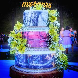 Rustic Camo Wedding Cake