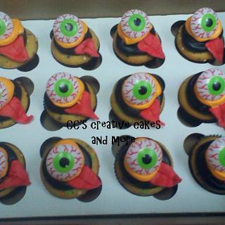 eyeballin cupcakes w/toungues