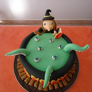 Cauldron & Witch cake