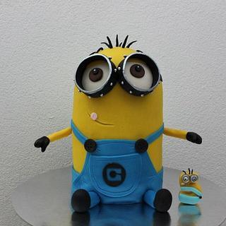 Despicable me 3D cake  & cupcakes