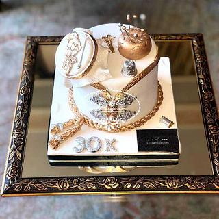 Luxurycouture-byakil Cake