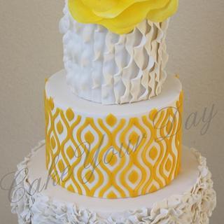 White & Yellow anniversary cake. - Cake by Cake Your Day (Susana van Welbergen)