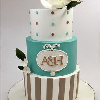 Wedding cake with magnolia - Cake by Silvia Caballero