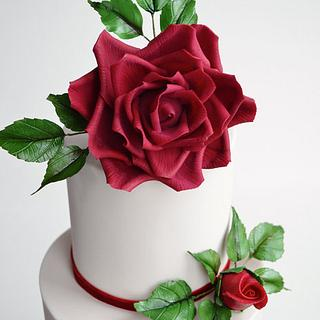Red garden rose wedding cake