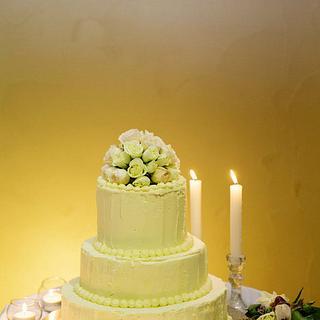 white chocolate ganache wedding cake