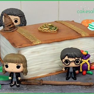 HARRY POTTER THEMED BIRTHDAY CAKE - Cake by Andy Cat