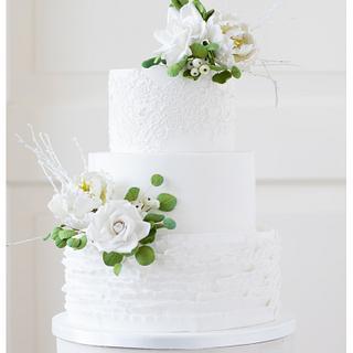 Winter styled weddingcake